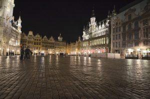 3 nopti la Bruxelles